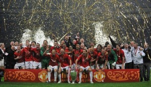 MOSCOW - MAY 21:  Manchester United celebrate following their team's 6-5 victory in the penalty shootout during the UEFA Champions League Final match between Manchester United and Chelsea at the Luzhniki Stadium on May 21, 2008 in Moscow, Russia.  (Photo by Shaun Botterill/Getty Images)